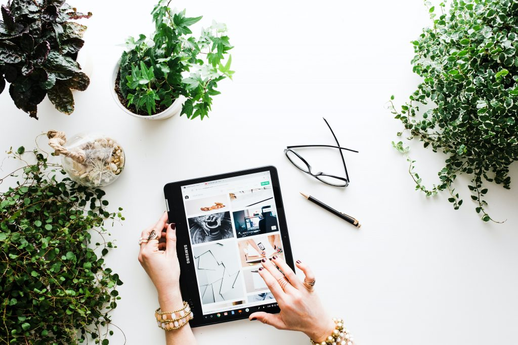 Digital Marketing agency melbourne - person using tablet