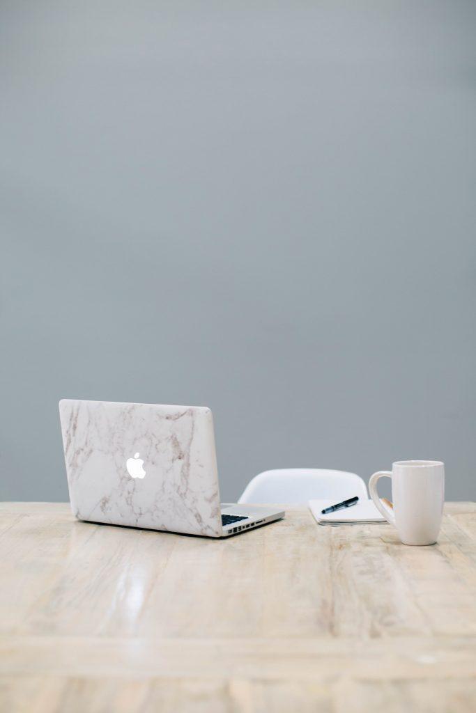 digital marketing agency gold coast - Apple Mac on table